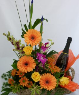(F42) Flowers and Sparkling wine arrangment